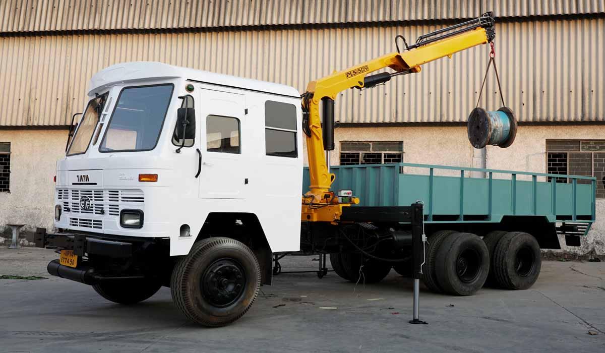 Truck loader Crane